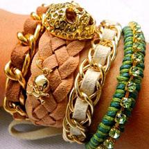 pulseiras feitas usando a técnica macramê