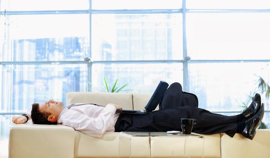 規律作息,避免吃飽就躺