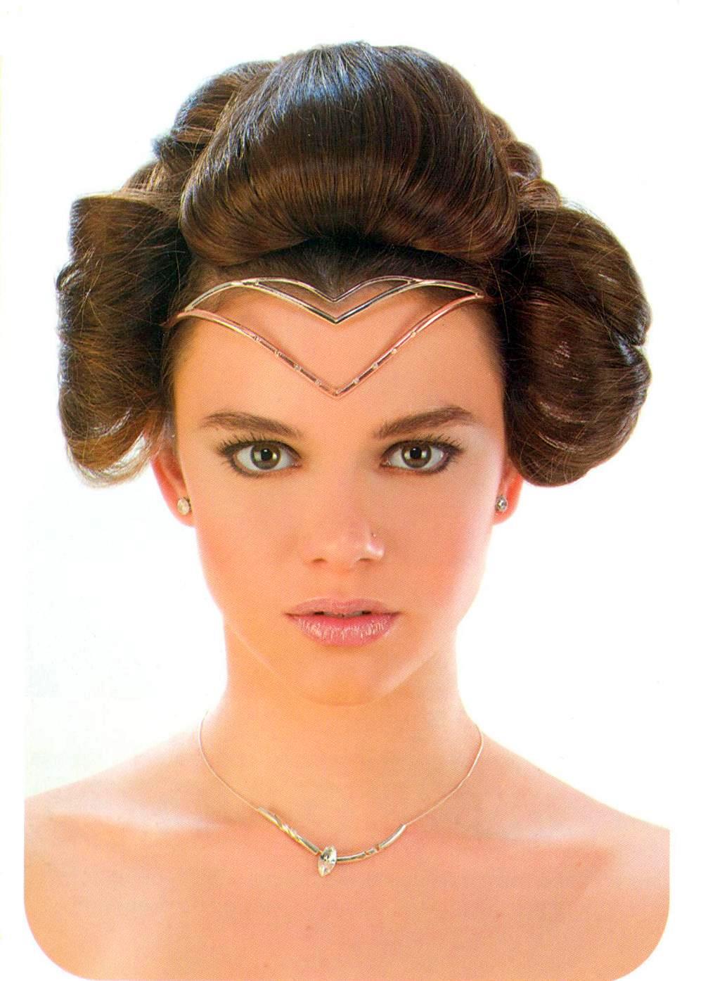 peinados recogidos sencillos pelo rizado 15 formas de llevar el pelo rizado vogue - Recogidos Informales Pelo Rizado