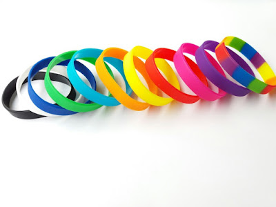 Sản xuất vòng tay cao su