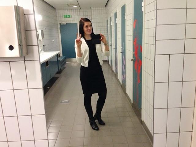 utanför chatt kostym i Umeå