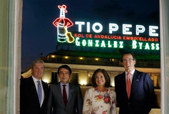 Encendido del nuevo cartel de 'Tío Pepe' en la Puerta del Sol
