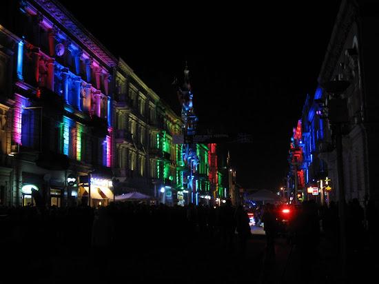 podświetlone kamienice piotrkowskiej na light move festival łódź