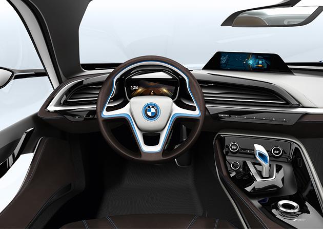 BMW i8 salonas