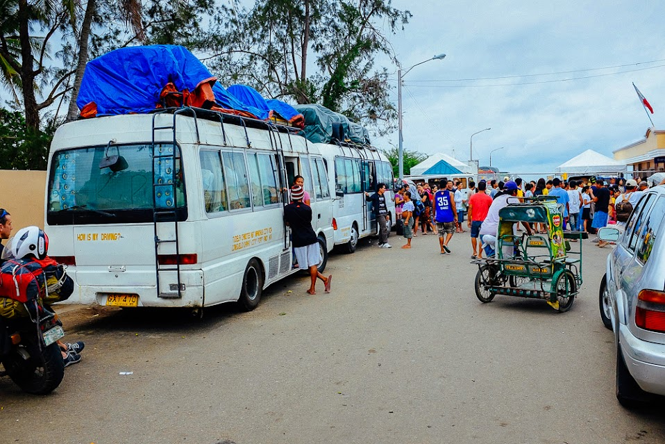 Autobusy w porcie Danao Filipiny