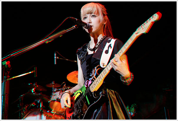 Scandal in 3D MAMI_2_NEW