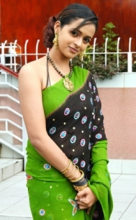 Latest Cleavage Sexy HOT SOUTH INDIAN ACTRESSES WALLPAPERS Stills