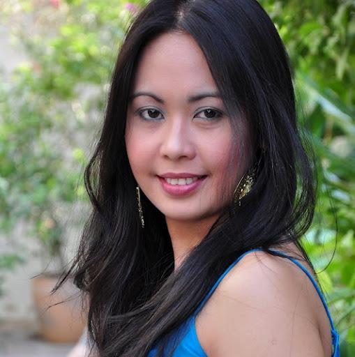 Theresa Flores Photo 30