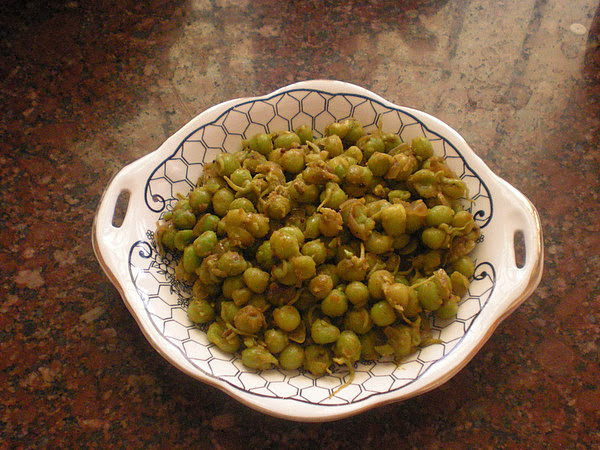 Sprouted Peas Masala Recipe