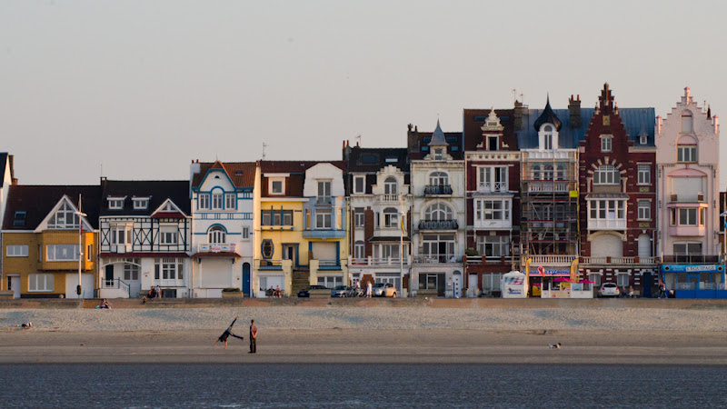 Maisons devant la plage de malo les bains - Piscine de malo les bains ...