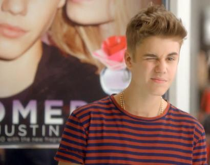 Macy's Black Friday TV Spot oh ya Justin Bieber Winks For Ya