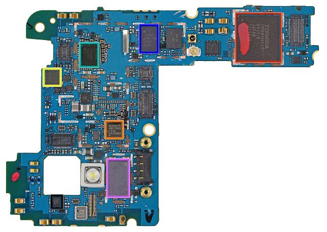 Nexus4のロジックボード iFixit