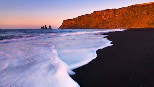 Lava Beach, Reynisdrangar Islands, Vik i Myrdal, Iceland.jpg