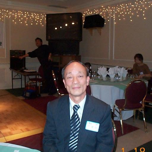 Kwang Lee