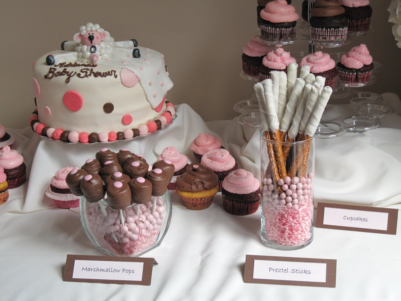 displaying 20 images for baby shower cupcakes pink and brown