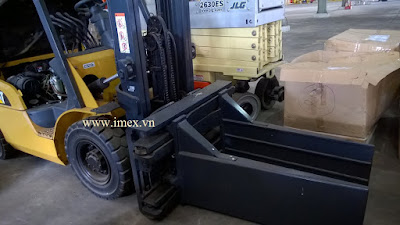 Bale Clamp on Caterpillar forklift
