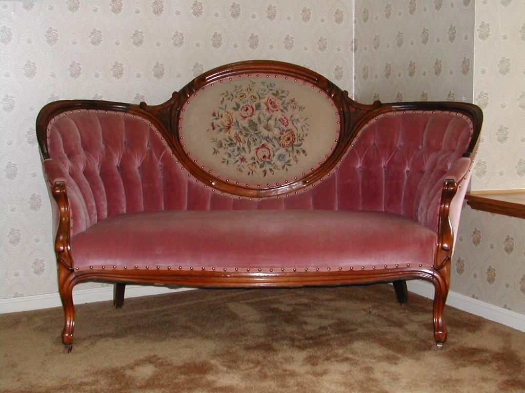 Marie antoinette interiors re upholstery the victorian for Modern victorian sofa