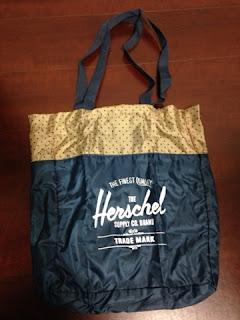 Herschel Supply Packable Travel Tote Black NAVY/ネイビーxドット 広げたところ