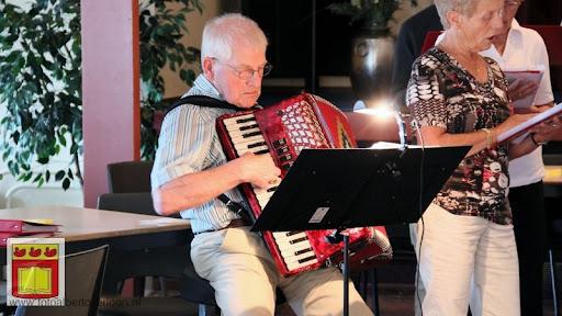 Senioren komen kijken bij de buren kbo 02-06-2012 (40).JPG