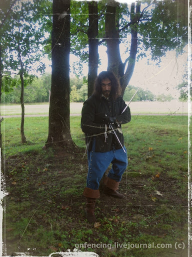 """""""Вот младшие дети Гаскони...""""  На съемках сериала """"Три мушкетера"""", реж. С. Жигунов. Петергоф, парк Александрия, Август 2012."""