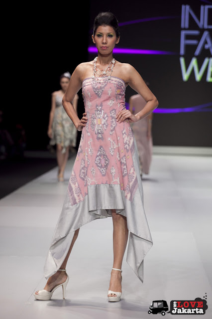 Monika Weber_Illusion_Indonesia Fashion Week 2013_JCC