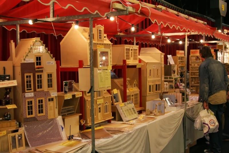 Poppenhuizen poppen en miniaturenbeurs en internationale for Poppenhuis te koop