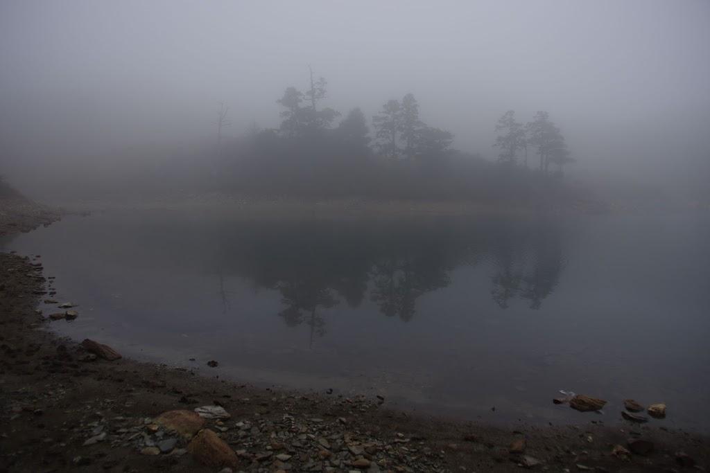 七彩湖 (天氣霧雨) DA15
