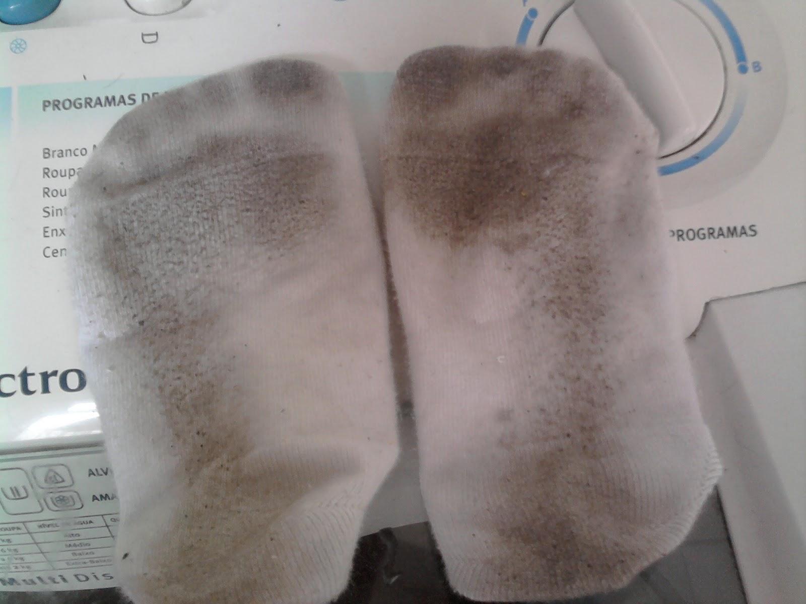 Meus pezinhos tirando minha sandalia de salto alto - 2 part 5