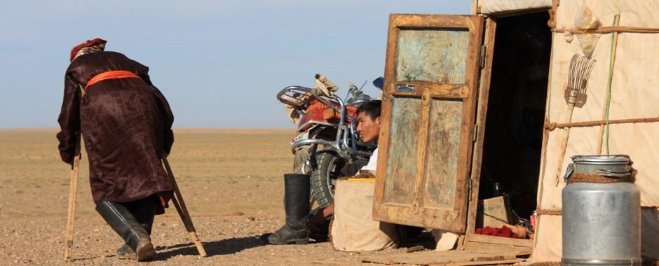 NOMADISMO NA MONGÓLIA   Viver com famílias nómadas na Mongólia