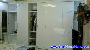 Thiết kế tủ âm tường màu trắng