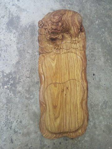 Khay trà con Nghê gỗ hương vân Mã KT51