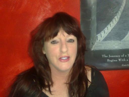 Diane Knight Photo 28