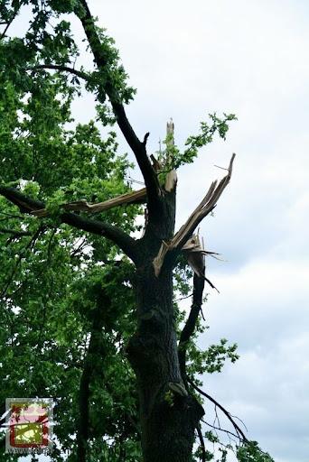 Noodweer zorgt voor ravage in Overloon 10-05-2012 (17).JPG
