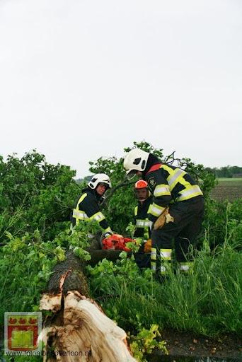 Noodweer zorgt voor ravage in Overloon 10-05-2012 (6).JPG