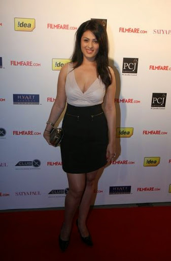 Anjana Sukhani Height