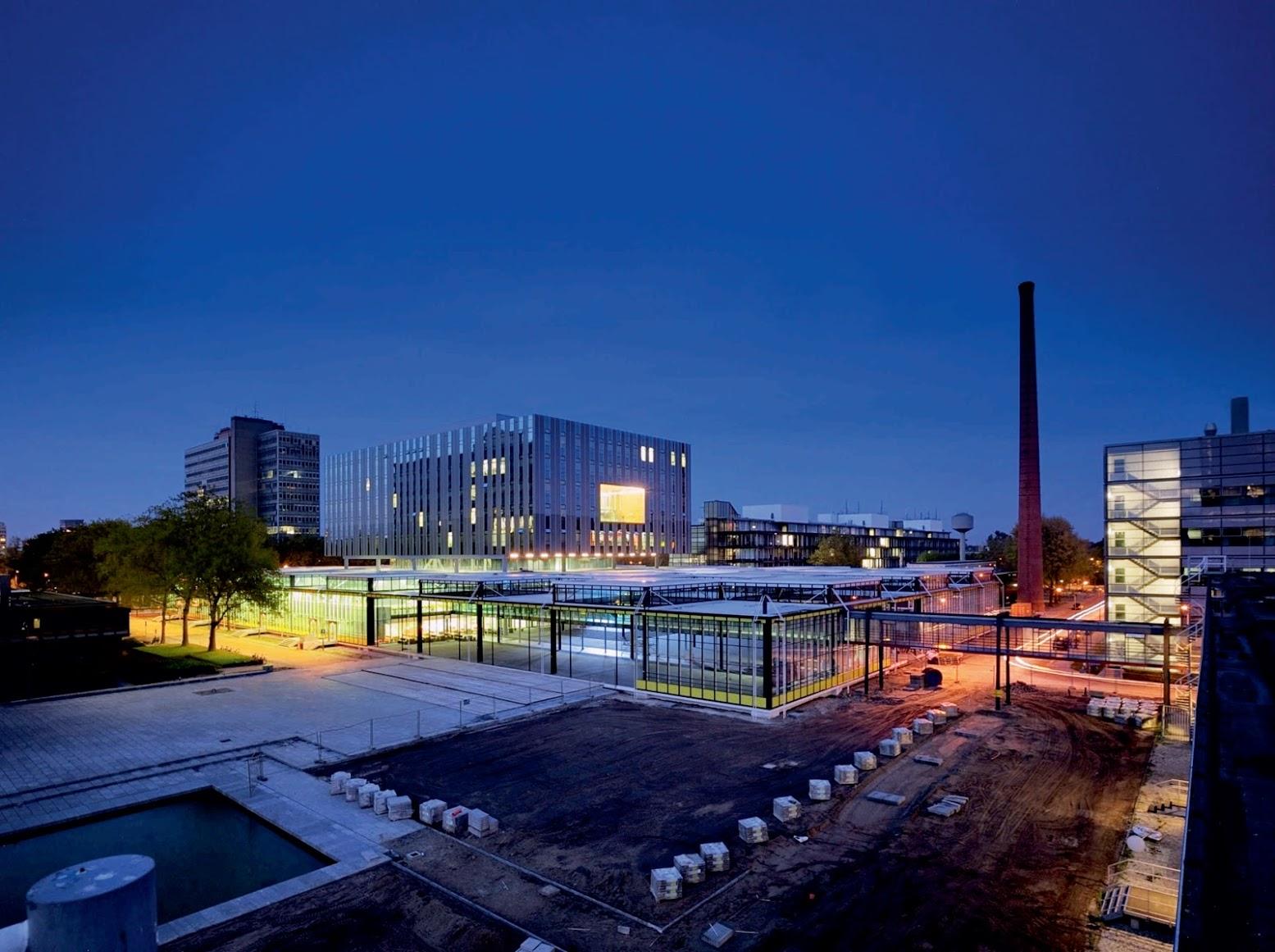 Eindhoven, Paesi Bassi: [METAFORUM BY ECTOR HOOGSTAD ARCHITECTEN]