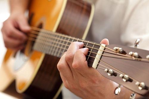 [Hình: tu-hoc-dan-guitar-tai-nha-3.jpg]