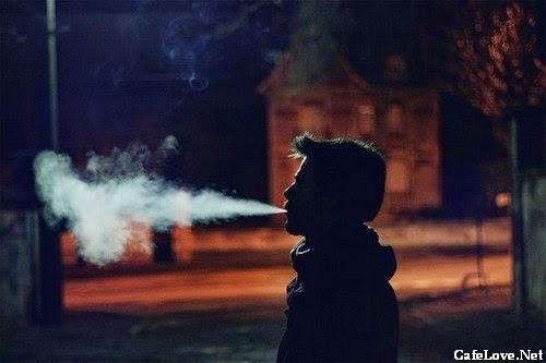 Hình ảnh đàn ông buồn vì thất tình, tâm trạng cô đơn