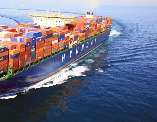 Hạ Thủy Tàu Container Lớn Nhất Thế Giới: Mol Triumph