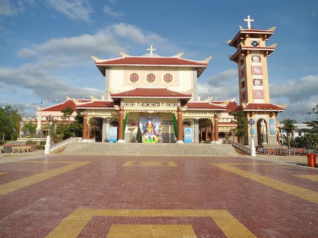 Giáo xứ Quảng Thuận mừng lễ Chúa Giáng Sinh  và tạ ơn công trình trùng tu Thánh Đường giáo xứ.