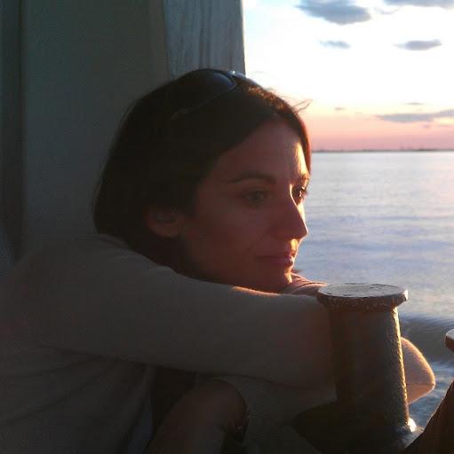 Sara Menendez Photo 10