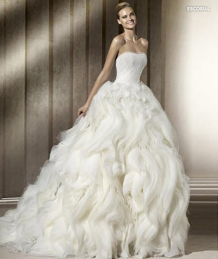 Menyasszonyi ruha 2012 Pronovias Escorial