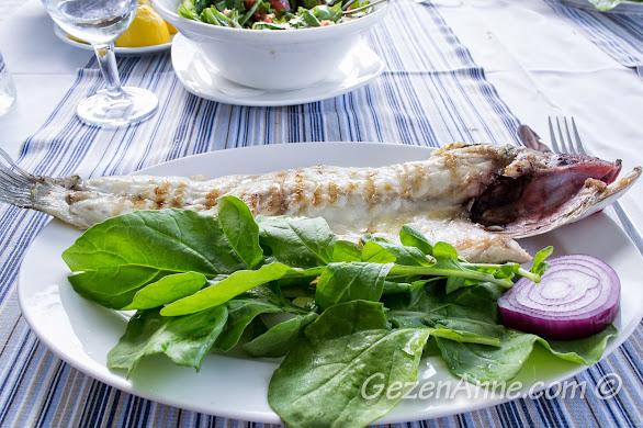 Bursa, Trilye'deki Taşmahal restorandaki deniz levreği