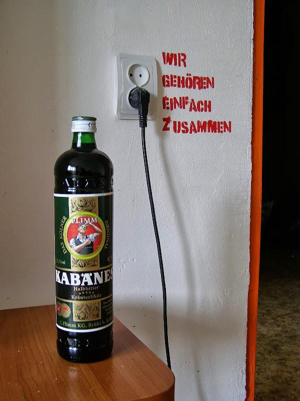 Гараж блондинка бутылка пытают фото 280-278