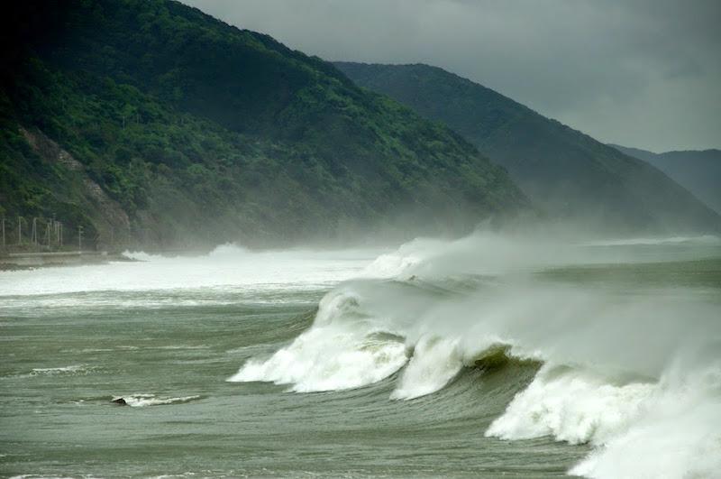 태풍 서핑
