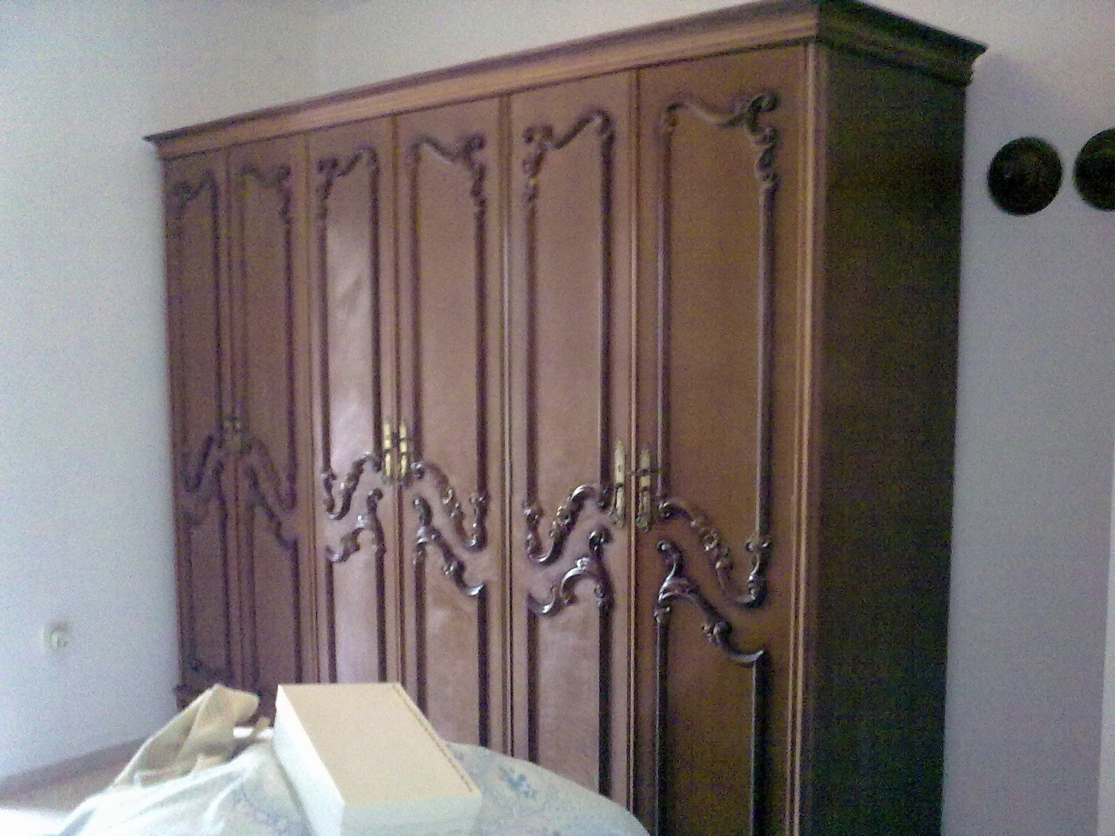 Antes y despu s de la l mpara y el armario de xisca for Muebles antiguos restaurados antes y despues