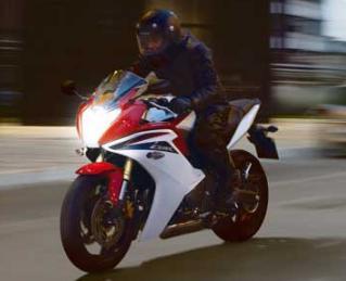 2011 Honda CBR600F on the road