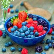 К чему снится есть ягоды?