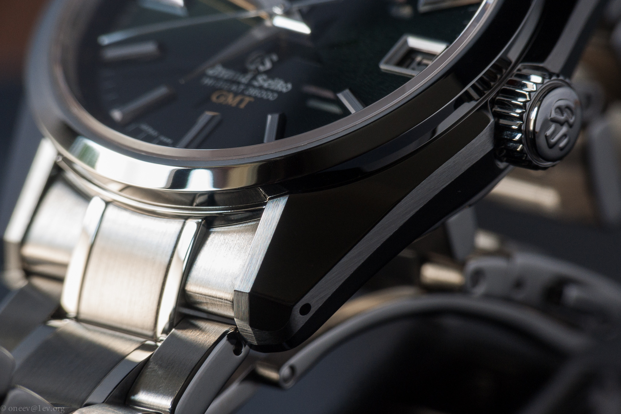 Revue illustrée de la Grand Seiko GMT Hi-Beat SBGJ005 20140915-CRW_2980