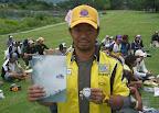 全戦参加選手の中から抽選で1名に当たった「CASIO プロトレック 腕時計」を八尋選手に贈呈 2012-10-09T02:11:41.000Z